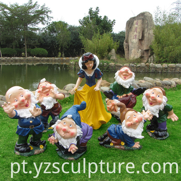 Fiberglass Snow White And Seven Dwarfs