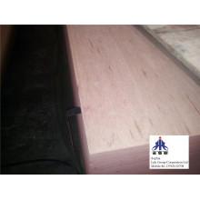Chapa de madera del ingeniero