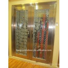 Puerta principal de acero