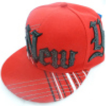 Snapback Cap mit Logo um die Krone 27