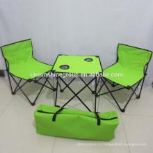 Открытый стали и ткани складной стол и стул