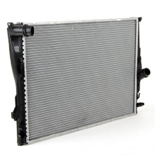 Cooling System Radiator Spare Parts Car Radiator 17118672011 For BMW