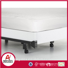 Hypollergenic 100% waterproof mattress protector for home and hotel use