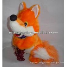 Симпатичные и симпатичные желтые мягкие игрушки плюша лисы