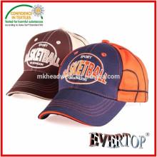 Gorra de béisbol 100% de los niños de la tela de la tela cruzada del algodón con la insignia del bordado, casquillo de béisbol lindo para los niños