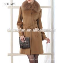 100% Cashmere Coat con cuello de piel para mujer