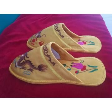 Tangan Pecinta Bordir Slipper