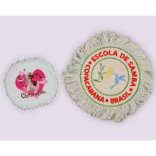 Patches bordados con franjas