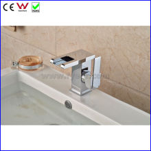 China High Quality Waterafll Color LED Basin Faucet (FD15058F)