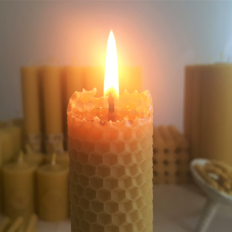 beeswax rolled candle (3)