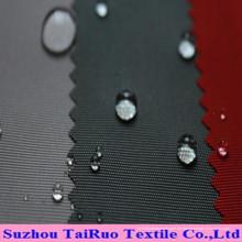 Das Polyester Oxford mit gefärbtem und beschichtetem Gewebe