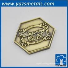 csutom hat Messing kleine Patch Pin, mit deisgn Logo