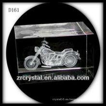 Motocicleta subsuperficial del laser 3D K9 dentro del rectángulo cristalino