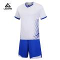 Conjunto de jersey y pantalón corto deportivo de fútbol para hombres