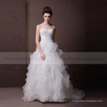 Glamorous Sweet Heart Lace & Beads On The Bodice Ruffle Bottom Robe de mariée avec train chapelle
