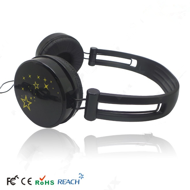 black over ear earphone
