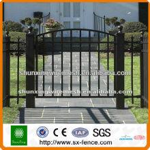 Porte à clôture ornementale galvanisée et revêtue de PVC (fabricant)