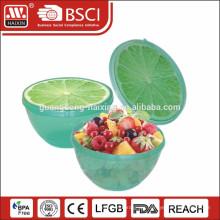 recipiente de plástico con diseño de frutas