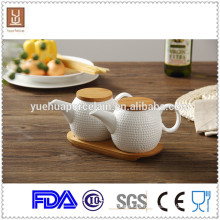 hign quality ceramic oil pot / tea pot with bamboo tray
