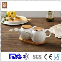 hign quality ceramic oil pot / tea pot with bamboo tray