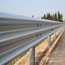 Stahlträger Autobahn Leitplanke