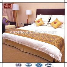 Hotel Bett Schal, Bettläufer, Bettwäsche gesetzt