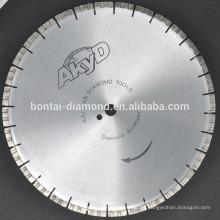 Hoja de sierra de diamante para corte rápido de hormigón armado con segmentos de disposición de diamante