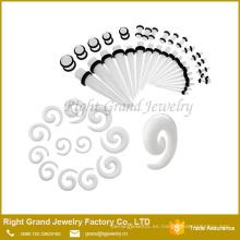 Venda al óleo espiral de acrílico al por mayor, pendiente piercing de la joyería