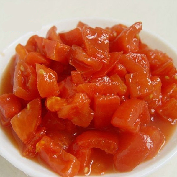 Natural Peeled Tomato
