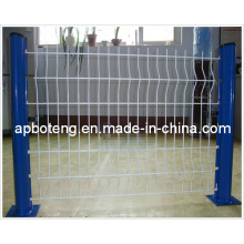 Оцинкованный сварной сеткой защитный забор