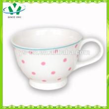 Heiße Verkaufs-Großverkauf-Rosa-Punkt-keramische Kaffeetasse-Fabrik