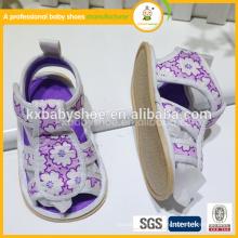 2015 belle souplesse en caoutchouc lisse de haute qualité la plus belle chaussure de sandales pour bébé design