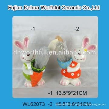 Porta utensilios de cerámica con diseño de conejo