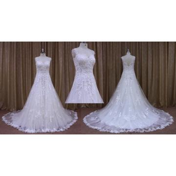 Vestido de noiva com apliques de renda sem mangas