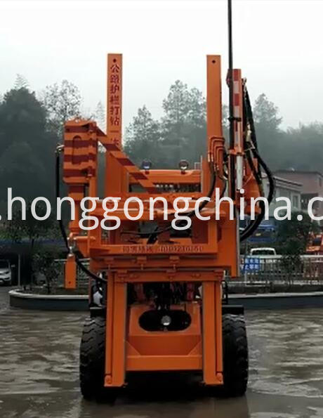 Hydraulic Pile Driver Highway Fix Guardrail