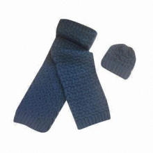 100% acrylic Icelandic yarn scarf and hat set