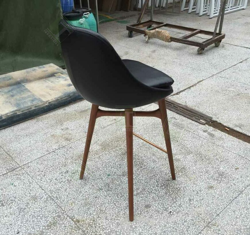 Modern Classic Club Chair