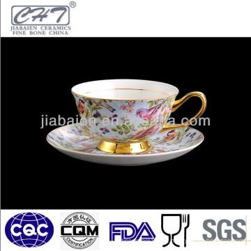 220ML Copo de café de porcelana de design idílico e conjunto de pires