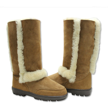 Comfortable women winter warm sheepskin boots with fur