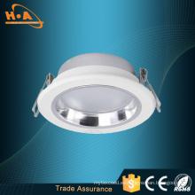 Popular en Europa 9W / 12W LED Downlight de fundición a presión