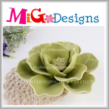 New Arrival Green Ceramic Decorative Floral Shaped Candle Holder