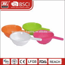 Plastic Sieve Plastic colander with handle and base