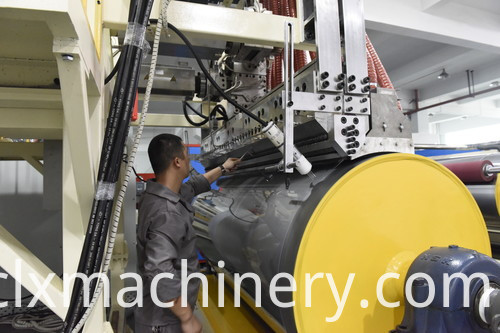 Big cooling roller for stretch film machine