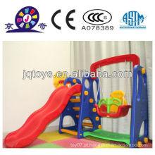 Brinquedo de jogo de plástico para crianças slide swing combinado
