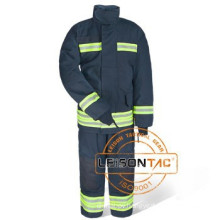 Fire fighting Suit surface layer is with aluminium and multilayers inside adopt heat insulation and burning resistant material