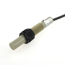 El nivel de líquido E2K-X4me1 detecta el rango de detección de 4 mm No hay sensor capacitivo de 10-30 VCC