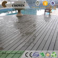 Piscina cubierta de suelo de baldosa impermeable