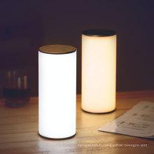 Nouvelle lampe de table de protection des yeux de conception pour lire et travailler la lampe de lecture latérale de lit menée flexible