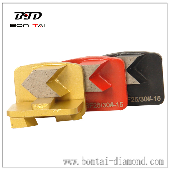 Arrow segment diamond disc for coat removal