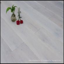 Plancher de chêne contrecollé fumé et blanchi